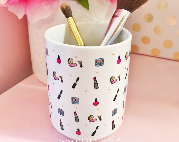 DLC Make-Up Brush Holder