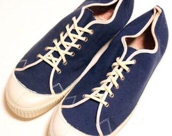 555dc8bc773ad Vintage canvas shoes | Etsy