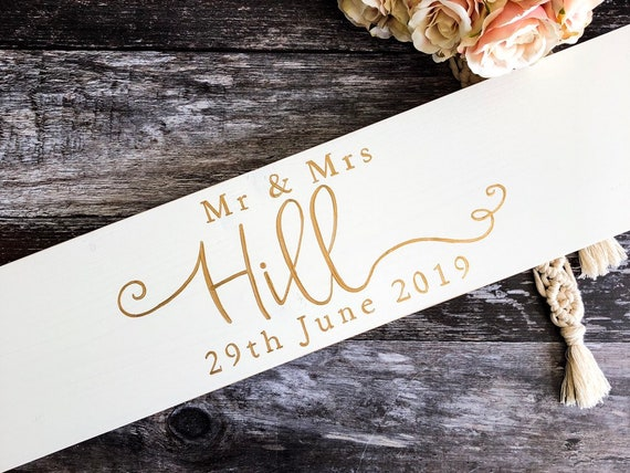 Personalised Mr /& Mrs Wood Table Sign /& Date Mr and Mrs Wedding Decoration Gift