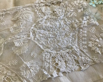 per Yard Yardage Antique Cotton Tulip Lace 1 1//8/""