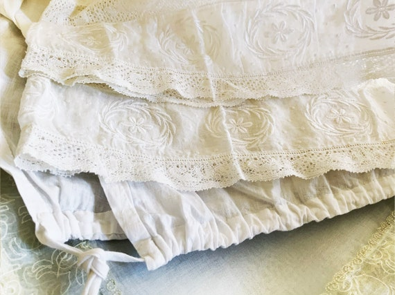 White AnTiQue BLOOMERS / PANTALOONS - Hand Embroid