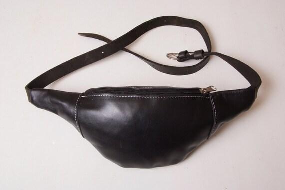 d3a9ff1c Belt pouch, travellers bag, Leather belt Pouch bag, blak leather, full  grain leather, passaport. Borsello marsupio minimalista