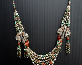 Beaded Necklace...Impressive high quality vintage necklace...Take a look!