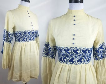 70s Linen Tunic with Intricate Cobalt Blue Embroidery and Romantic Sleeves Size XS-S