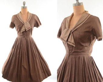 40s / 50s Ascot Shirtwaist Dress Brown Cotton Fit-and-Flare S/M
