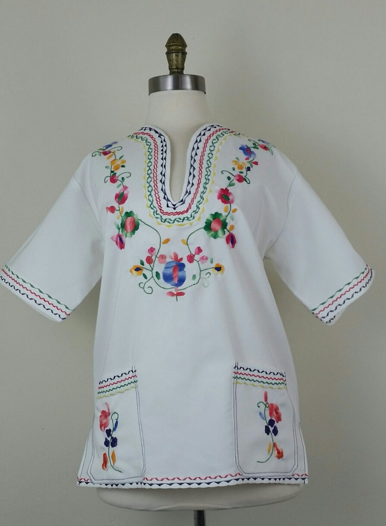 70s Embroidered Shirt White Floral Pockets Unisex image 0
