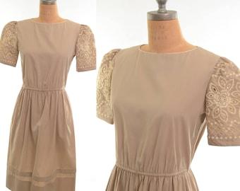 60s Khaki Boho Embroidered Sleeve Shirtdress Midi Dress Medium