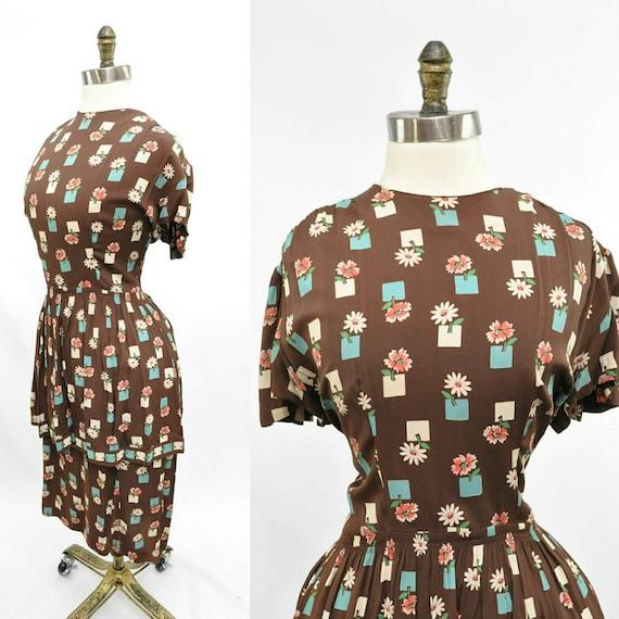 Vintage 1940s Peplum Dress Brown Floral Print Smal