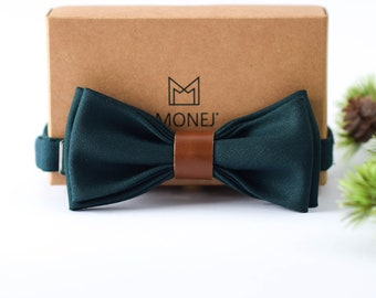 Green Bow Tie for Men, Wool and Leather Bow Tie, Pre Tied Bow Tie, Green Wedding Necktie for Groom / Groomsmen, Gift for Men