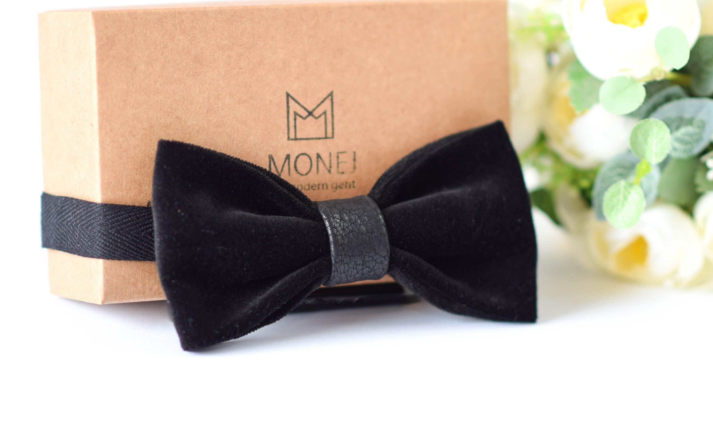 Luxury Ivory Velvet Bow Tie