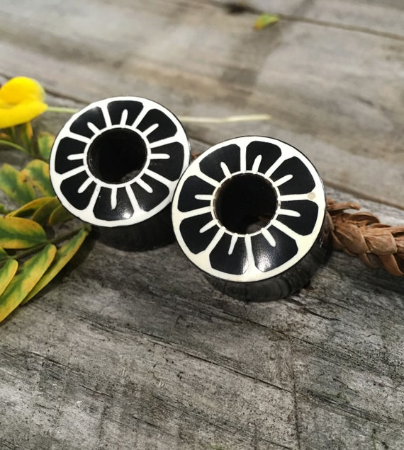 Pierced Owl Natural Light Grey Cats Eye Concave Stone Saddle Plugs Sold as a Pair