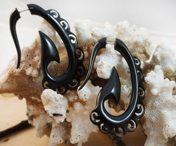 20G Pair Carved Areng Wood Illusion Faux Ear Plugs Simple Spiral Hangers Earring