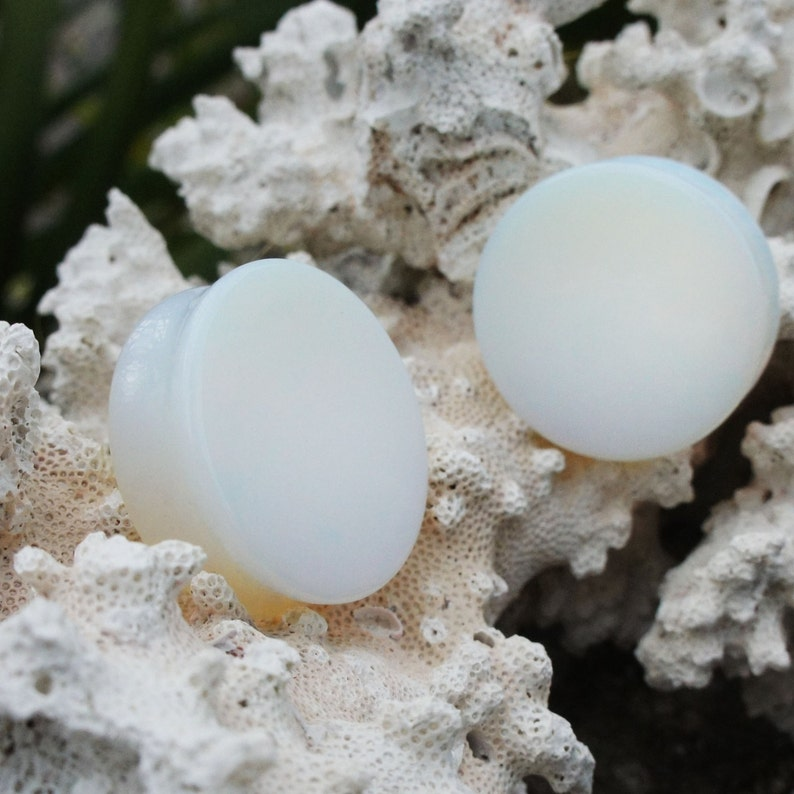 916 32mm 22mm Large Opalite Double Flared Saddle Plugs 16mm Pair 1 38 1 78 25mm 35mm 14mm 28mm 58 1 14 1 18