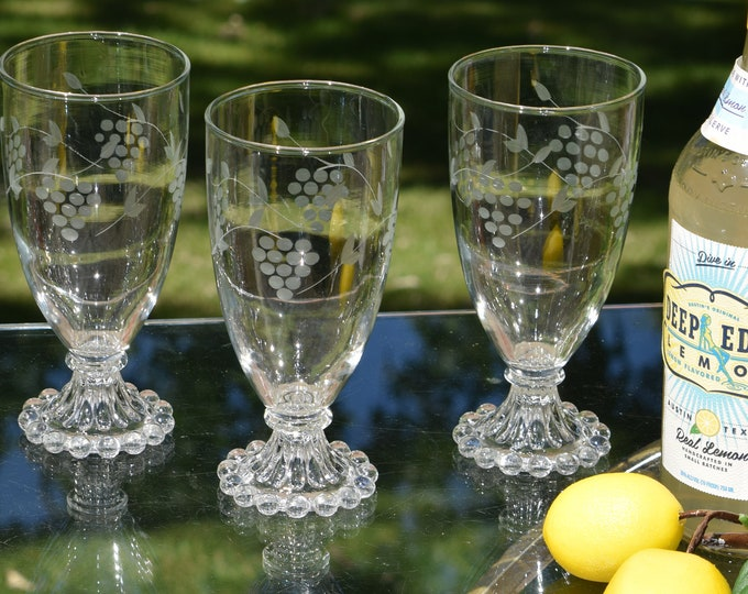 5 Vintage Cocktail Glasses, Set of 5, Mixologist Craft Cocktail Glasses,  1950's, Vintage Summer Cocktail ~ Sangria ~ Wine Glasses