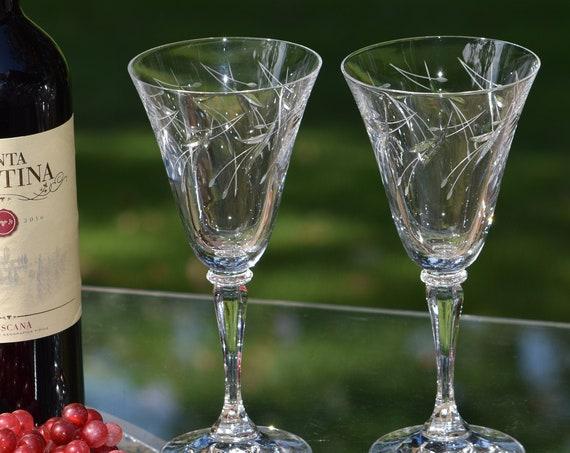 Vintage Etched Wine Glasses, Set of 4,   Vintage Etched 7 oz Wine Glasses ~ Summer Cocktail Glasses, Wedding Gifts, Vintage Wedding Glasses