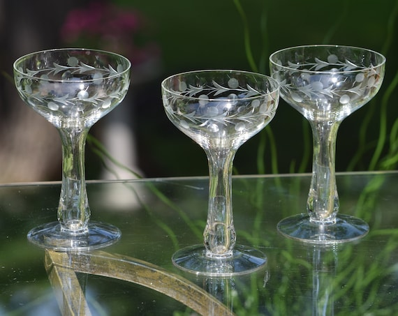 Vintage Etched Hollow Stem Cocktail Glasses, Set of 4, Vintage Champagne Glasses, Unique Hollow Stem Cocktail -Martini Glasses