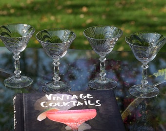 Vintage Cocktail Martini Glasses, Set of 4, Cambridge, circa 1950's, Vintage Champagne Glasses, Vintage Wedding Glasses Craft Cocktail Glass