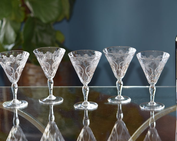 5 Vintage CRYSTAL Etched Wine Glasses, Vintage Small 6 oz Crystal Wine glasses, After Dinner Drinks ~ Liqueur ~ Port ~ Dessert Wine