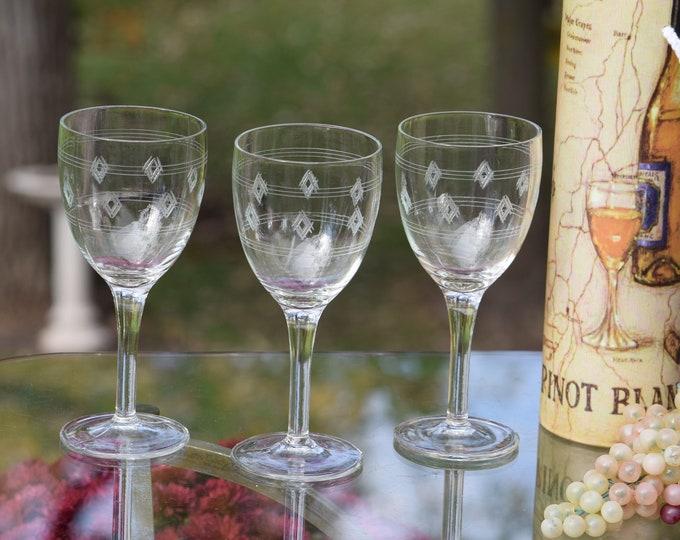 6 Vintage Etched Wine Glasses, Set of 6,  Etched Pressed Glass Wine Glasses, 1950's Etched Wine glasses, Vintage Wedding Glasses,