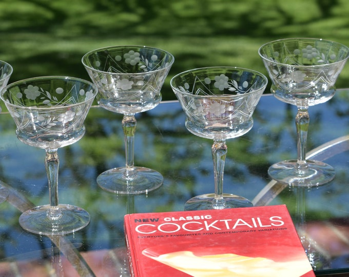 5 Vintage Etched Cocktail Martini Glasses,  1950's, Vintage Etched Champagne Glasses, Mixologists Craft Cocktail Glasses, Home Barware