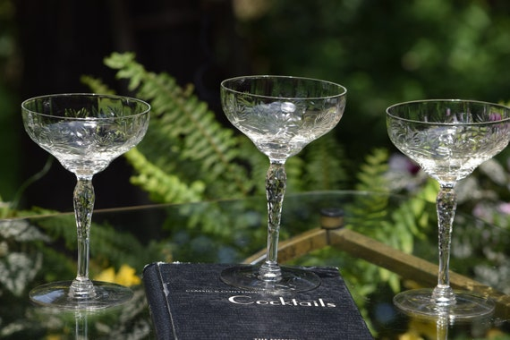 Vintage Etched Cocktail Glasses, Set of 4, Cocktail Party Glasses, Vintage Etched Champagne Glasses, Mixologist Craft Cocktail Glasses