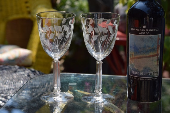 Vintage Etched Wine Glasses, Set of 4,  Vintage Etched Water Goblets, Wedding Gifts, Tall Etched Vintage Wine Glasses