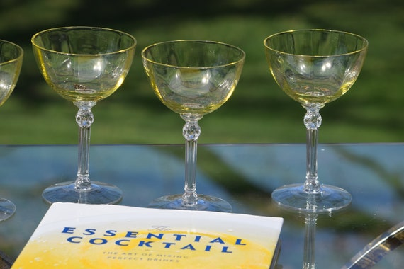 Vintage Yellow Optic Cocktail ~ Martini Glasses, Set of 4, Cambridge, circa 1941, Mixologist Craft Cocktail Glasses, cocktail Coupes