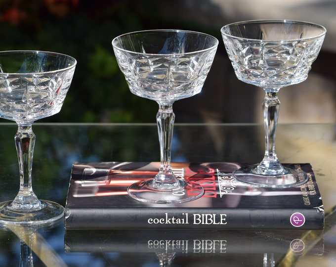 4 Vintage Pressed Glass Cocktail Martini Glasses, circa 1950's, Wedding Toasting Vintage Champagne Coupes, Mixologist Cocktail Glass