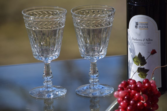 Vintage Etched CRYSTAL Wine Glasses, Set of 4,  1970's, Vintage Crystal Water Glasses ~ Cocktail Glasses, Summer Cocktail ~ White Wine Glass