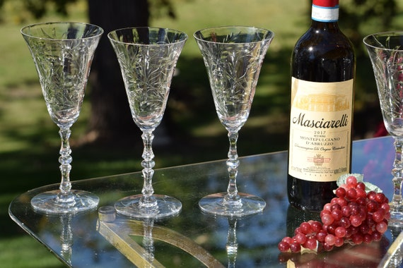 Vintage Etched Tall Wine Glasses, Set of 6, Wedding Toasting Glasses, Water Goblets, Antique Wine glasses, 1940's Wine Glasses