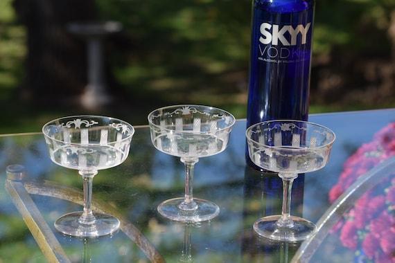 Vintage Hawkes CRYSTAL Cocktail Glasses, Set of 3, Hawkes, 1950s Vintage Cocktail Coupes, Vintage Etched Champagne Glasses - Martini Glasses