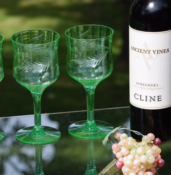Vintage Etched Green VASELINE URANIUM Wine Glasses, Set of 5,  Summer Cocktail Glasses, Vintage 1950's Vaseline Glasses
