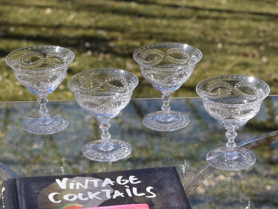 Vintage Etched CRYSTAL Cocktail - Martini Glasses, Set of 6,  Vintage Champagne Toasting Glasses, 1940's, Craft Cocktail glasses