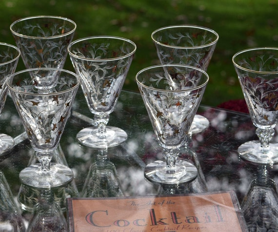 Vintage Cocktail Glasses with Gold and White Designs,  Set of 7,  Libbey Vintage Whiskey Glasses, Mixologist Craft Cocktail Glasses
