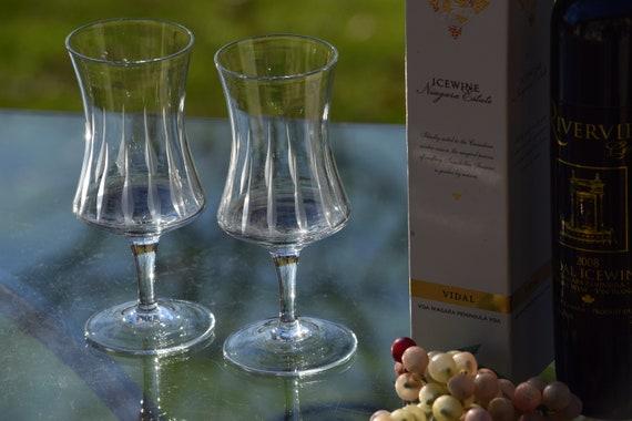 Vintage Etched Wine Glasses, Set of 4, circa 1950's, After Dinner Drink ~ Champagne Glasses, 5 oz Dessert Wine - Liquor Glasses