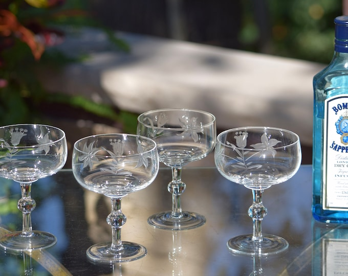 4 Vintage Etched Cocktail Martini Glasses, Nick & Nora Coupes, 1950's Champagne Glasses, Vintage Etched Cocktail Coupes, Mixologist Glasses