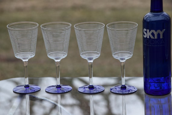 Vintage Etched with Blue Wine Glasses, Set of 6, 1950's, Tall Etched Wine glasses, 8 oz Wine Glasses, Mixologist Craft Cocktail Glasses