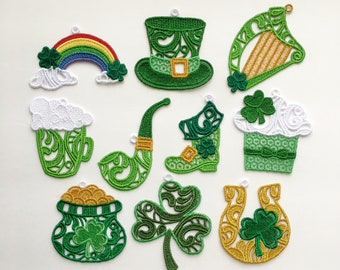 "plastic 8 Pc St Shiny //Glitter  3/""x 2.1/"" Patrick/'s Day Shamrock Ornaments"