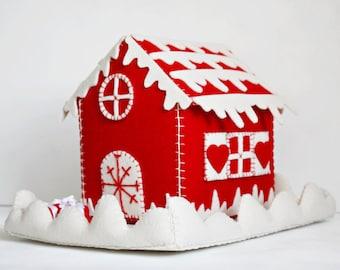 christmas felt house, christmas felt box, christmas candy box, christmas gift, christmas felt ornament, winter felt cottage, tiny felt case