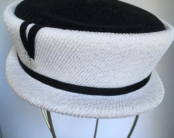 e081e2e7655a8 Vintage Mid-Century Boater Hat Size Small White Black Stylized Lady s Hat  Mr. Rickie Original Flat Crown Brim Classic Three Button Detail