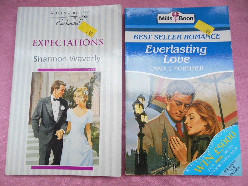12 Vintage Mills and Boon novels, Mills and Boon books, Carole Mortimer,  Robyn Donald, Sharon Kendrick, Margaret Pargeter, Betty Roland
