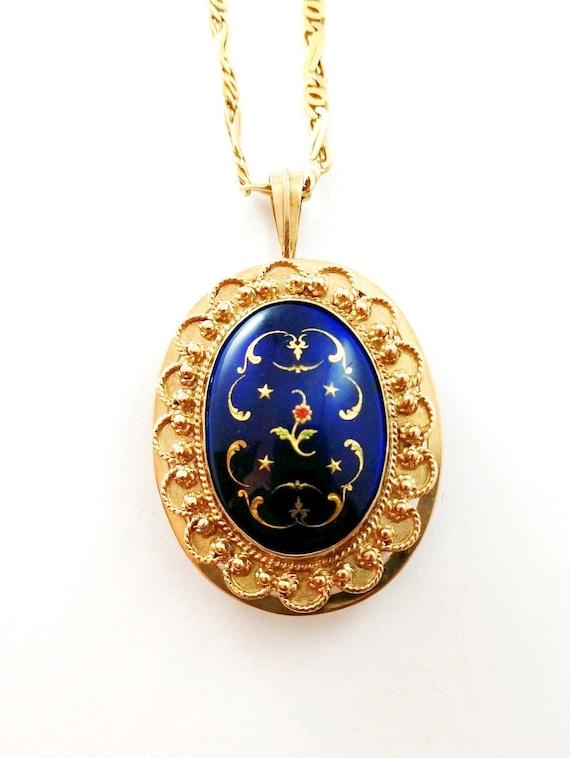 Vintage French Enamel Pendant in 14k Gold, 1940's - image 2