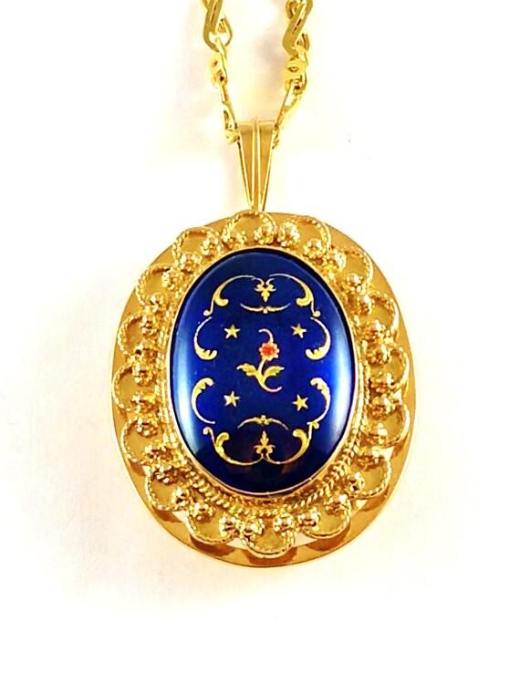 Vintage French Enamel Pendant in 14k Gold, 1940's - image 6