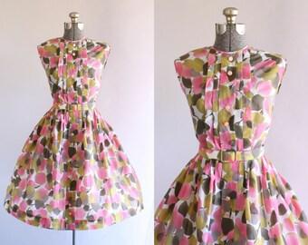 Vintage 1950s Dress / 50s Nylon Dress / Pink and Olive Green Floral Dress w/ Original Waist Belt L