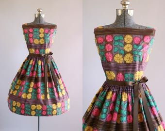 Vintage 1950s Dress / 50s Cotton Dress / Pink and Gold Painterly Floral Print Dress S