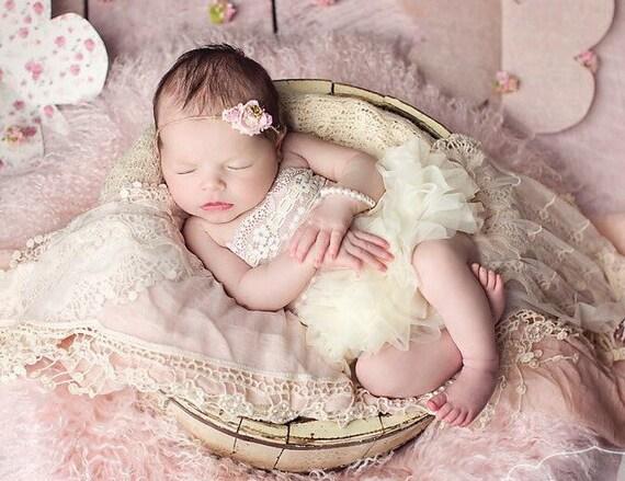 Baby Pearl Bracelet - White Pearl Bracelet - Glass Pearl Bracelet - Stacking Baby Bracelet - White Baby Bracelet - Baby Baptism Bracelet