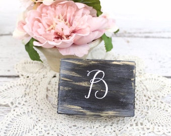 Custom Wedding Ring Box, Wooden Ring Box, Wedding Gift, Rustic Ring Bearer Box, Rustic Wedding Box, Monogrammed Ring Box with Burlap