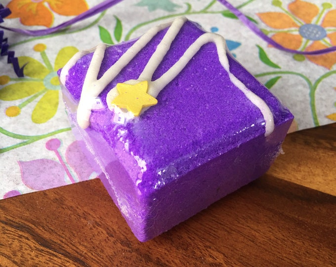 Lavender Vanilla Bath Bomb handmade Bath Fizzy tea cake-