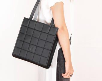 Black shoulder bag Vegan leather shoulder bag Black leather bag Minimalist bag Vegan bag Quilted bag Black leather handbag Black bag women
