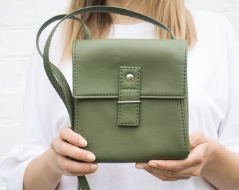 1c6f6fb292b8 Small crossbody purse Vegan leather crossbody bag Mini bag Crossbody phone purse  Small crossbody bag Green handbag Small purse Vegan bag